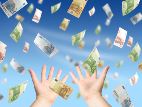 Makkelijk geld verdienen op straat 6 tips hoe jij snel aan geld kunt komen zonder diploma