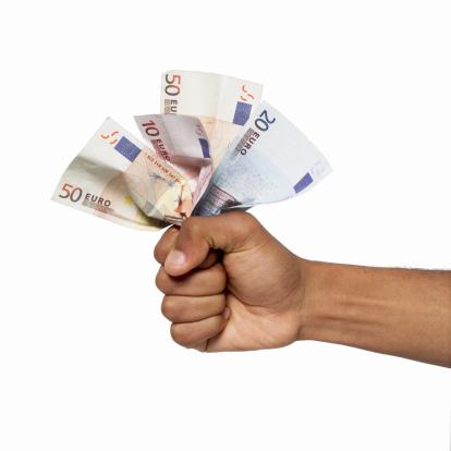 100 euro met spoed lenen om je zorgverzekering te betalen binnen 10 minuten geregeld